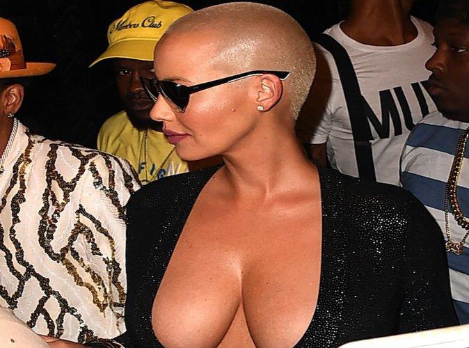 """Amber Rose, sa guerre contre les mannequins : """"Avoir de la cellulite et des seins flasques, ça c'est la réalité!"""""""