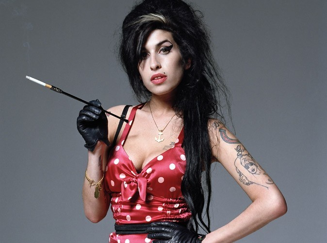 Amy Winehouse : ses parents héritent de sa fortune de 3,5 millions d'euros !