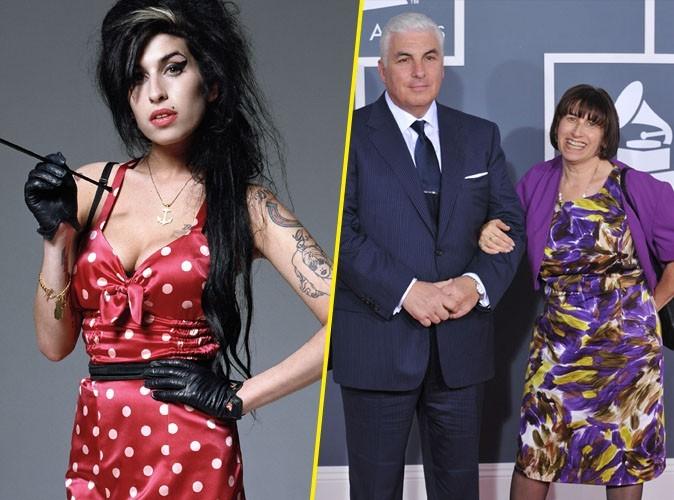 Amy Winehouse : ses parents honorés de recevoir le Grammy qui lui était destiné !