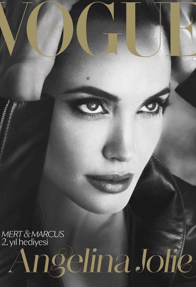 Angelina Jolie : au summum de sa beauté pour le Vogue Turquie !