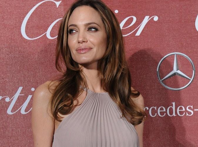 Angelina Jolie : pendant que Brad Pitt joue les tops pour Chanel, elle explique à ses enfants le drame de Malala Yousufzai, victime des Talibans !