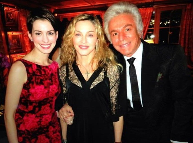 Anne Hathaway et Madonna : ensemble au nouvel an chez Valentino !
