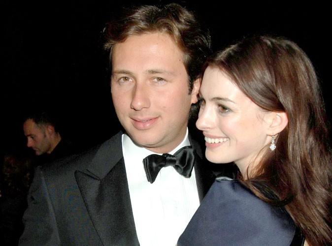 Anne Hathaway : son ex sort de prison !
