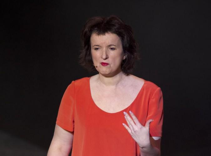 """Anne Roumanoff : accusée de racisme, elle répond : """"On se calme"""" !"""