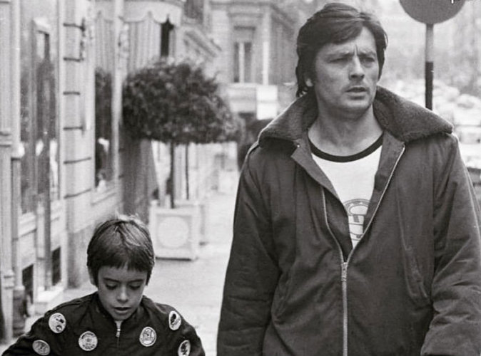 Anthony Delon : tendre cliché avec son père !
