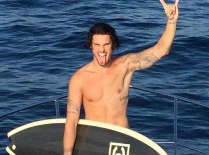 Baptiste Giabiconi nu à la mer, la version face !