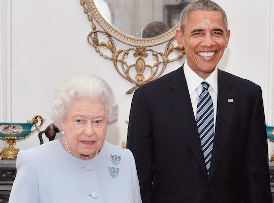 "Barack Obama et la Reine Elizabeth II : ""Boom"" ils se clashent sur twitter !"