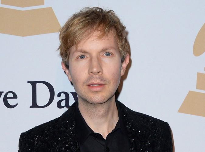 Beck : qui est cet artiste qui a tant fait jaser après les Grammy Awards ?