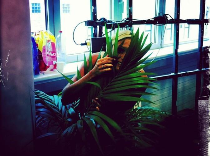 Julie Taton joue à cache-cache !