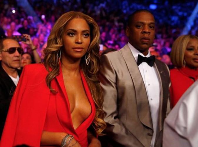 """Beyoncé : elle attire tous les regards lors du """"combat du siècle"""" !"""