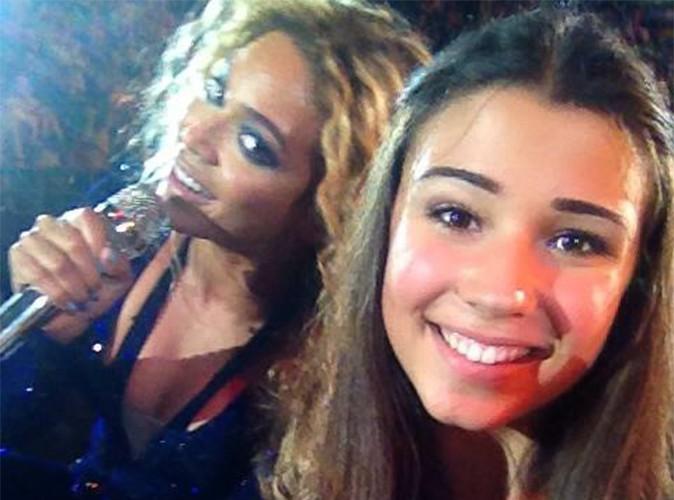 Beyoncé : elle interrompt sa prestation en plein concert pour poser aux côtés d'une fan !