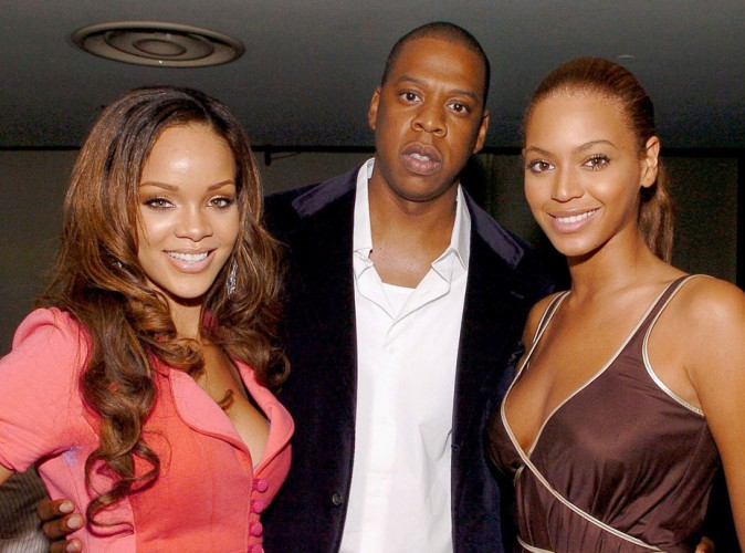 Beyonc� est furax : Jay-Z a un t�l�phone secret r�serv� � Rihanna !