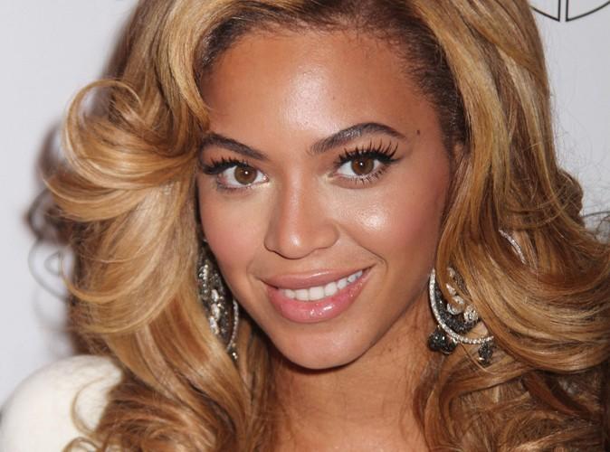 Beyoncé : son nouveau look sorti des années 70 ! Top ou flop ?