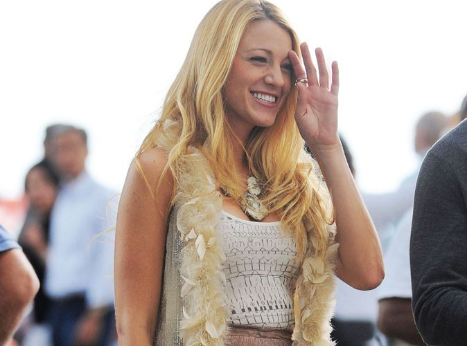 Blake Lively : fraîchement séparée de Leonardo DiCaprio, elle s'affiche tout sourire !
