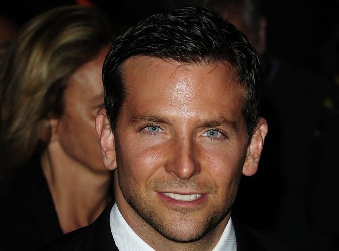 """Bradley Cooper : son titre d'homme le plus sexy est une """"blague"""" pour lui…"""