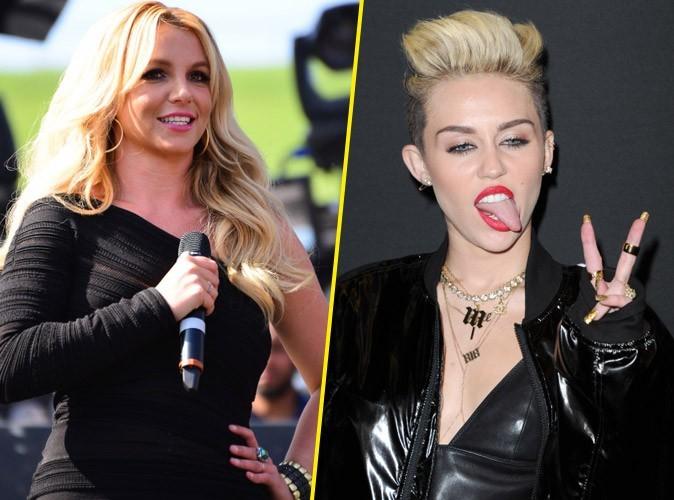 """Britney Spears à Miley Cyrus : """"Peut-être que tu pourrais m'apprendre à bouger mes fesses comme tu le fais ?"""""""