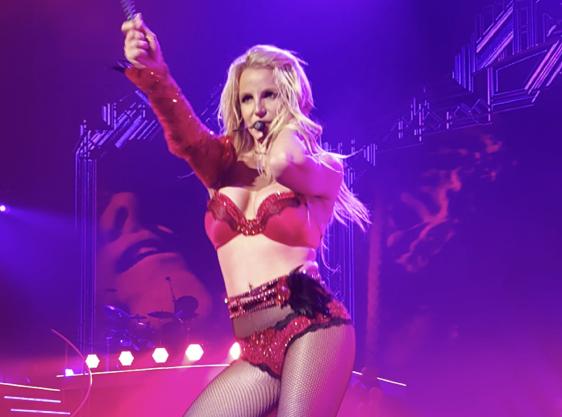 Britney Spears refait la garde robe de son show à Las Vegas !