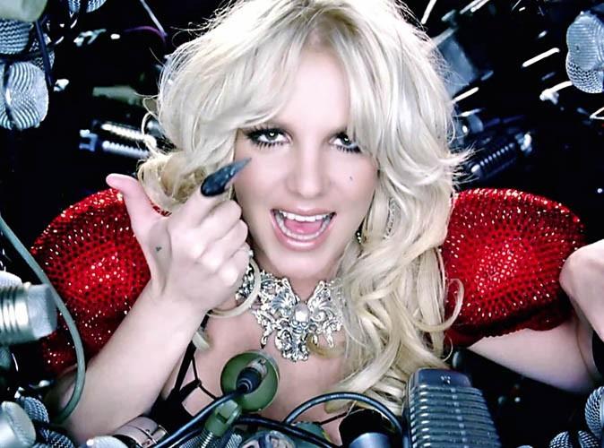 Britney Spears très demandée... fait succomber Justin Bieber !