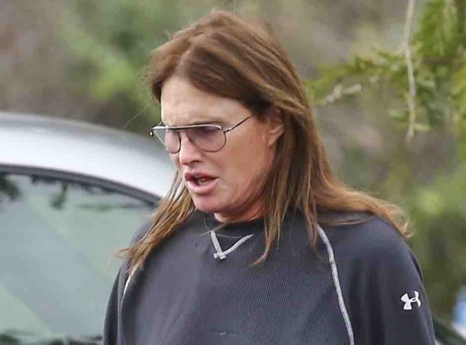Bruce Jenner : pendant que Robbie Williams se moque de lui, sa cousine accuse Kris !