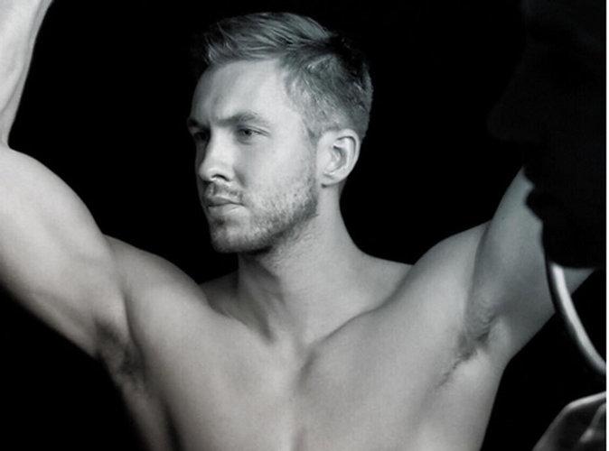 Calvin Harris : Pour montrer qu'il va mieux, il nous dévoile ses abdos !