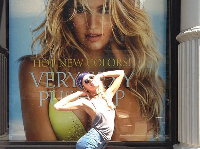 Candice Swanepoel est fan... d'elle-même !