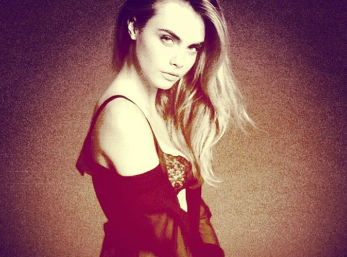 Cara Delevingne : elle passe du streetwear à la lingerie fine !