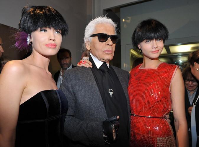 Cara Delevingne : exit la chevelure blonde, elle devient Calimero pour Karl Lagerfeld !