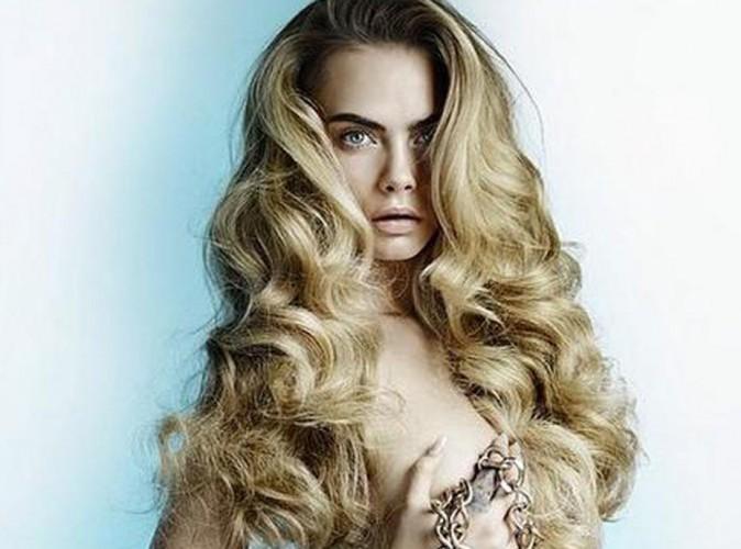 Cara Delevingne : femme fatale compl�tement nue devant l'objectif de Mario Testino !