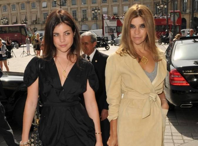 Carine Roitfeld : l'ancienne rédactrice en chef du Vogue Paris va être grand-mère !