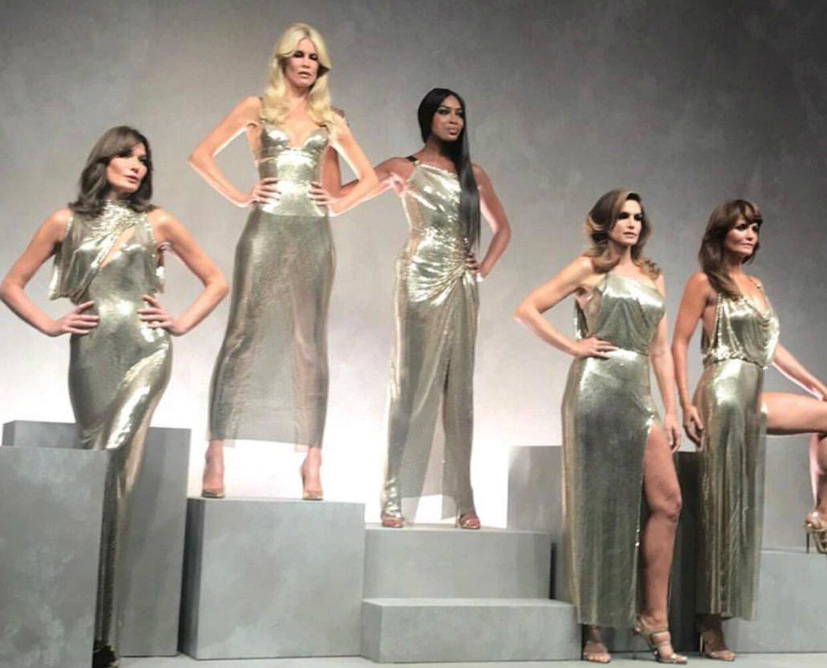Carla Bruni, Naomi Campbell, Claudia Schiffer défilent ensemble à Milan !