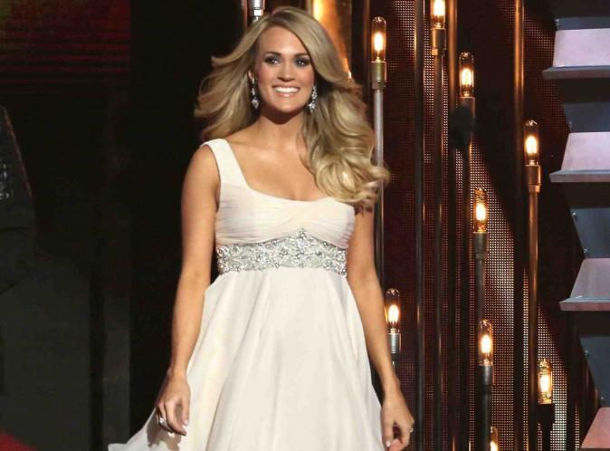 Carrie Underwood : vient-elle juste de confirmer qu'elle attend un garçon ?
