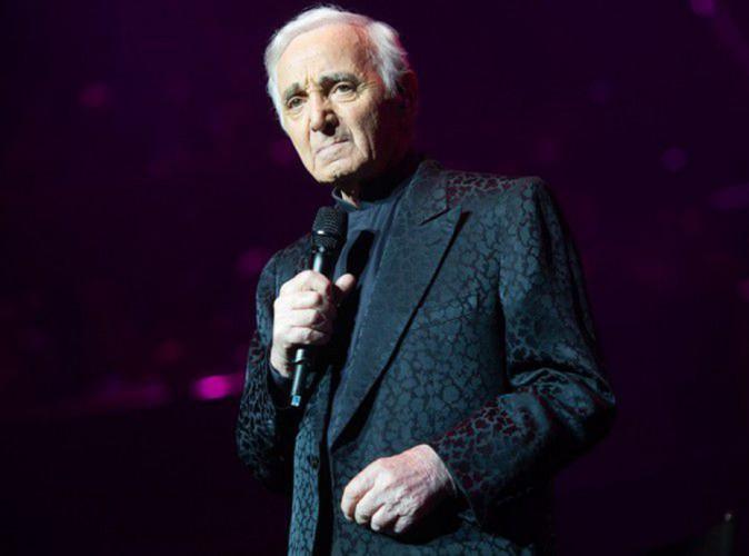 """Charles Aznavour : """"Je suis prêt à accueillir des migrants chez moi"""" !"""