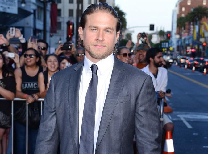 Charlie Hunnam : les scènes de sexe de 50 Shades of Grey ne lui font pas peur !