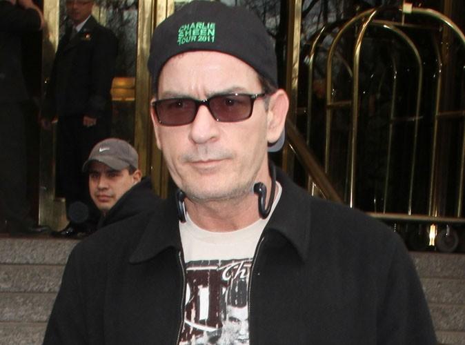 Charlie Sheen désavoué par ses anciens producteurs !