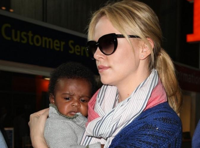 Charlize Theron : enfin de retour à L.A., elle ne lâche plus son petit Jackson !