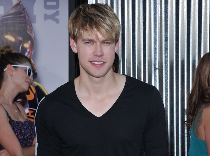 Chord Overstreet : découvrez Beautiful girl, le premier single du beau gosse de Glee !