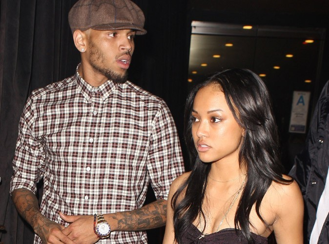 Chris Brown : sa girlfriend furieuse après son bisou avec Rihanna !