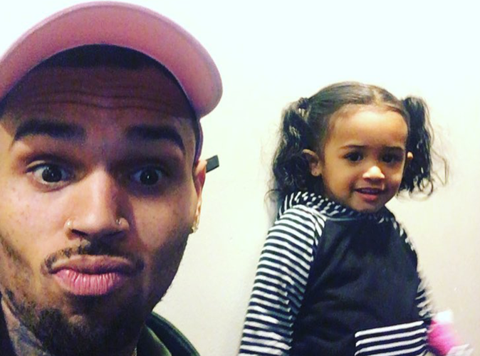 "Chris Brown : trop fier de son ""mini-moi""!"