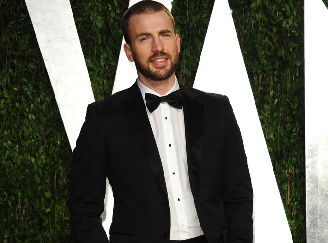 "Chris Evans : la star de The Avengers casse son image de bad boy : ""Je pleurniche tout le temps"""