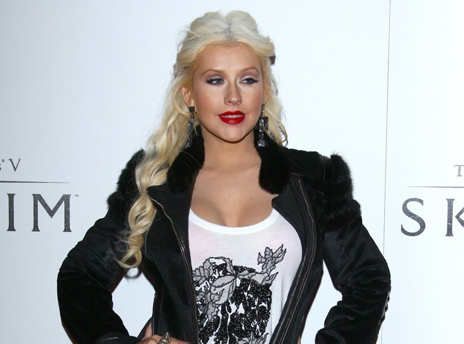 Christina Aguilera : elle adore ses courbes !
