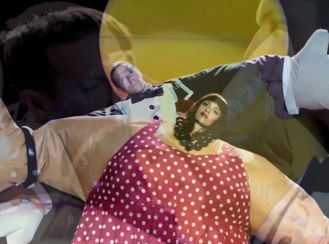 """Coldplay : un clip mêlant humour et authenticité pour """"True Love"""" !"""