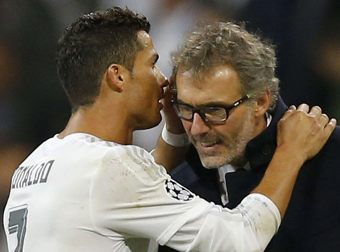 Cristiano Ronaldo a murmuré des choses très intéressantes à l'oreille de Laurent Blanc !