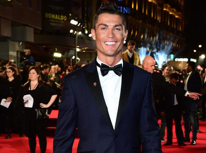 Cristiano Ronaldo : Quand la star tente le record du monde de selfies !