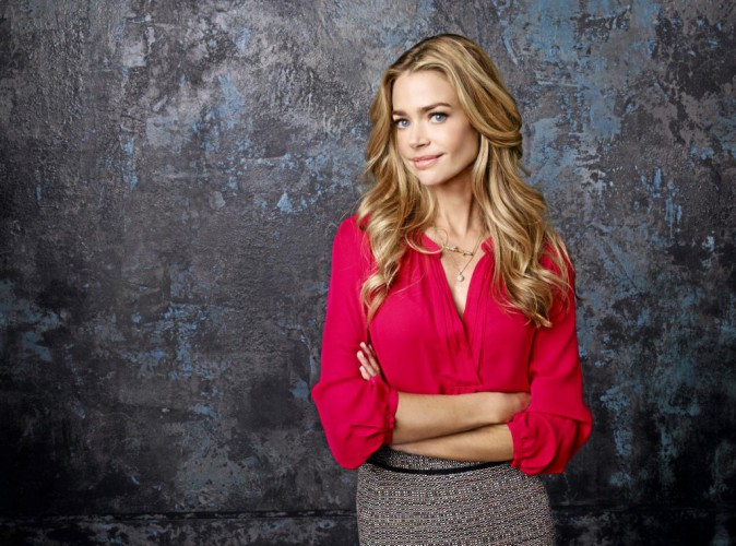 Denise Richards crève l'écran dans Twisted !