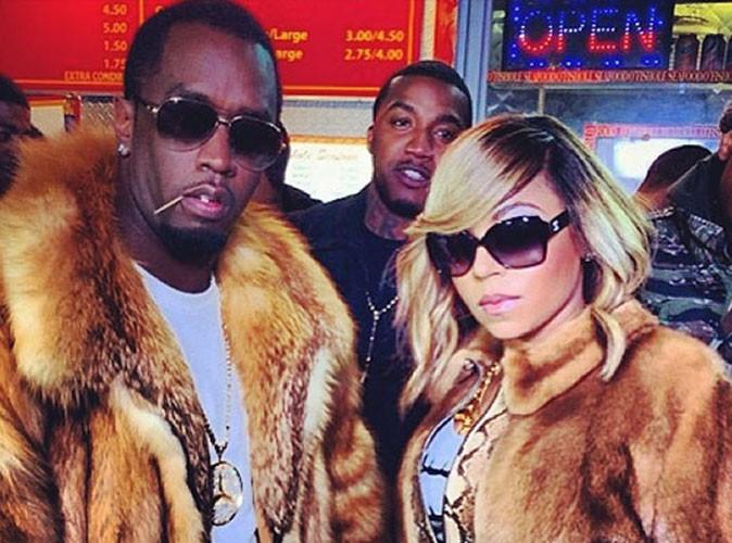 Diddy : fourrure imposante et bijoux clinquants pour aller dévorer un burger avec Ashanti et ses potes rappeurs !