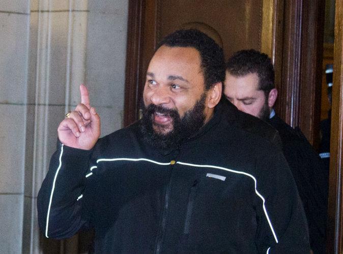 """Dieudonné risque 30.000 euros d'amende pour """"injure raciale"""""""