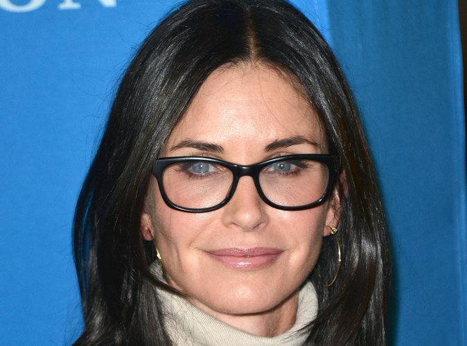 Divorce des Brangelina : Courteney Cox vole au secours d'une Jennifer Aniston harcelée !