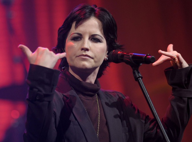 Dolores O'Riordan (The Cranberries) : Hystérique, elle agresse une hôtesse de l'air