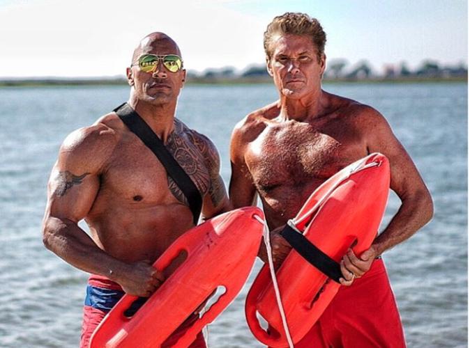 Dwayne Johnson et David Hasselhoff: Deux Mitch Buchannon reunis sur le tournage d'Alerte à Malibu!