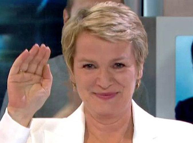 """Élise Lucet : émotion pour son départ du JT de France 2 : """"Merci de votre fidélité"""" !"""